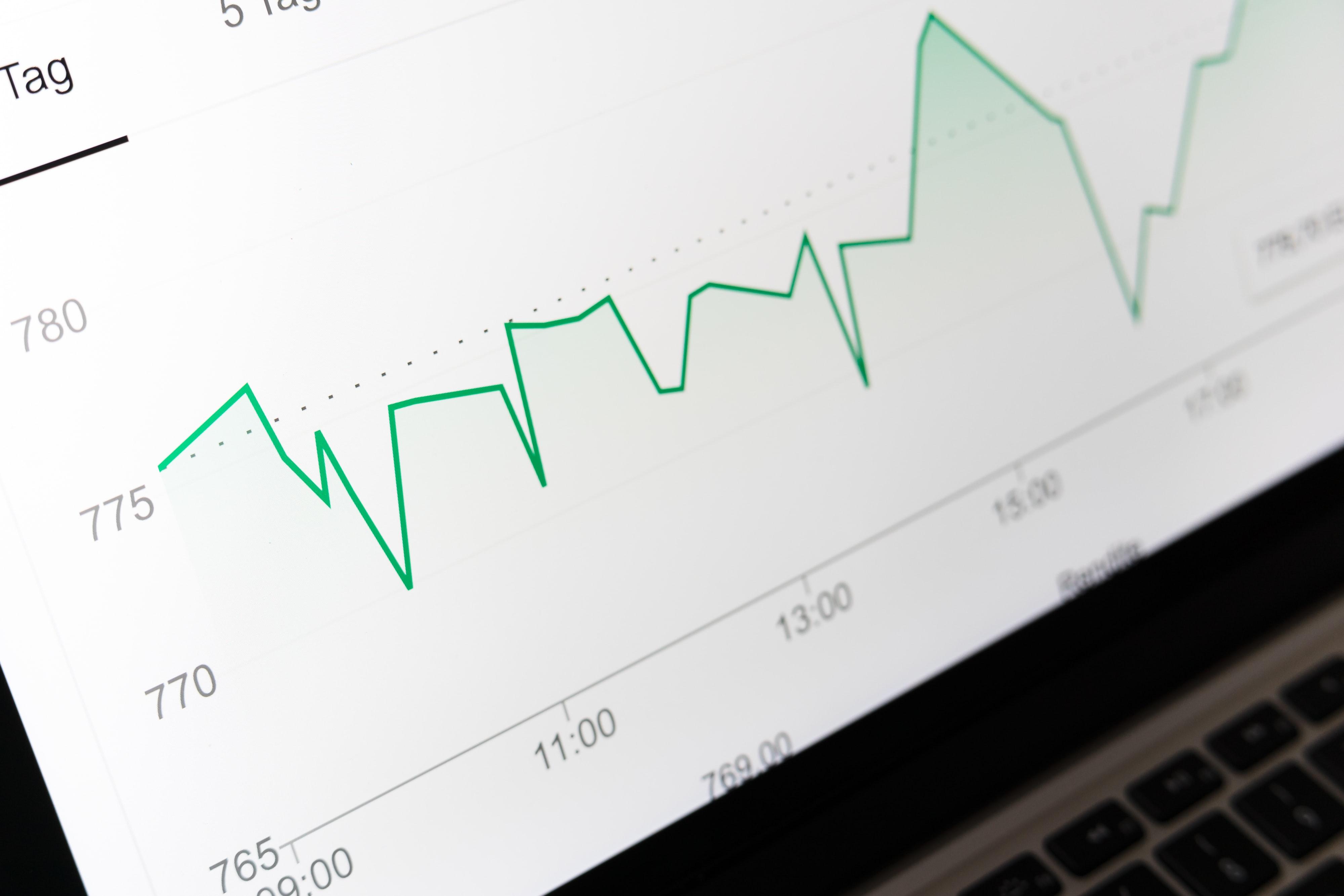 Hvordan onlinebørser har gjort hedgefonde og professionelle investorer overflødige