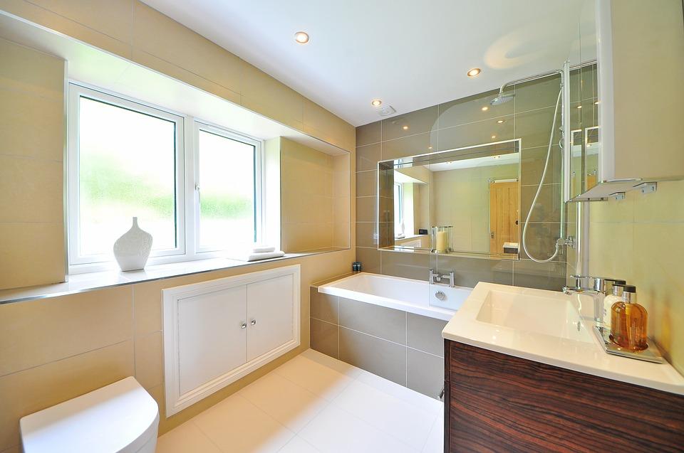 Sådan indretter du billigt dit badeværelse