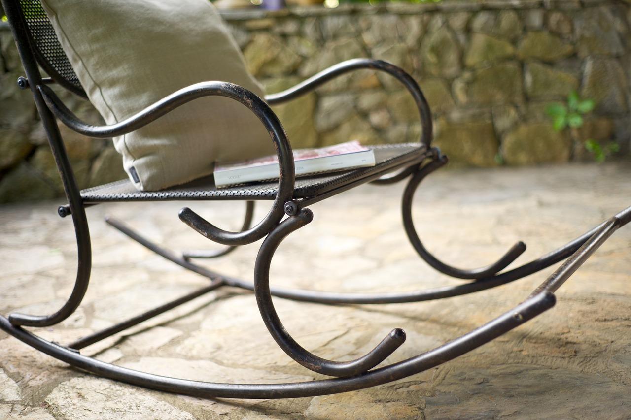 Sådan undgår du at smide dine gamle møbler ud