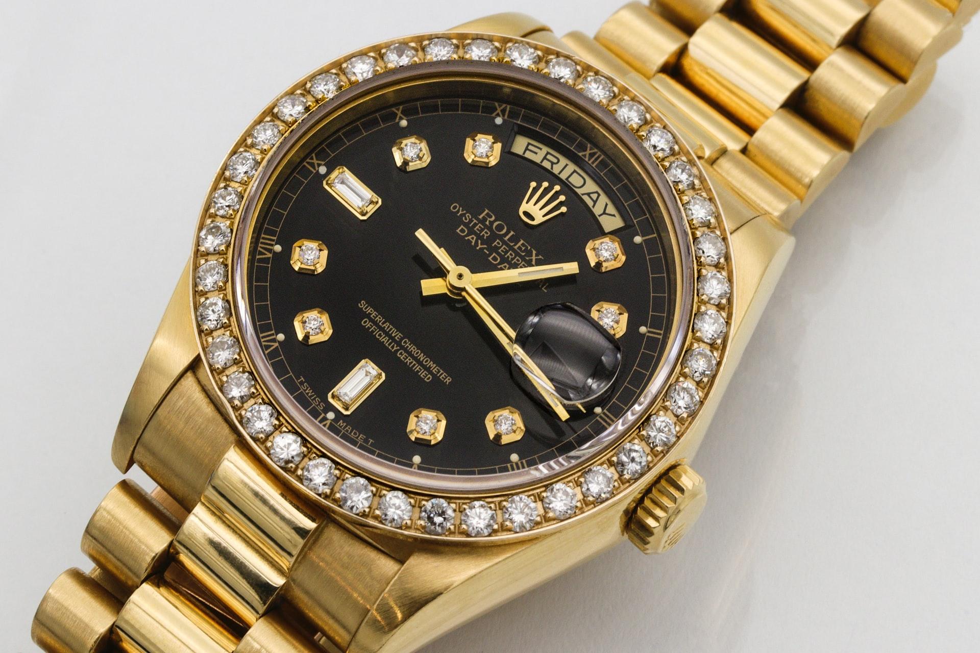 Kjøp kjente klokker på auksjon